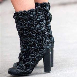 NWT Chanel Black Lambskin Camellia Heeled Boots